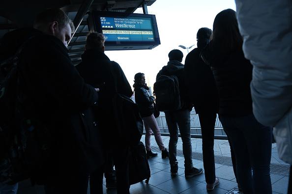 Waiting「Public Transport Strike Hits Berlin」:写真・画像(10)[壁紙.com]