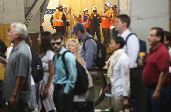 鉄道・列車「NYC Commuters Begin 'Summer Of Hell' As Penn Station Begins Major Track Repairs」:写真・画像(17)[壁紙.com]