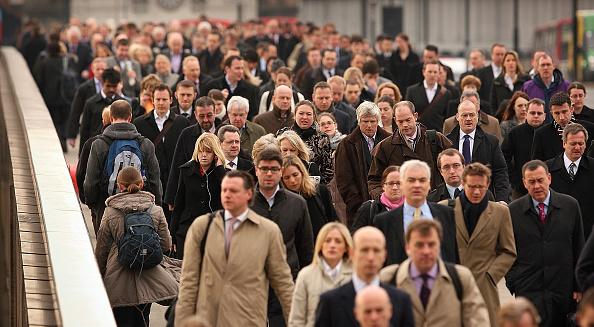 Commuter「Credit Crisis Threatens Banking Jobs」:写真・画像(19)[壁紙.com]