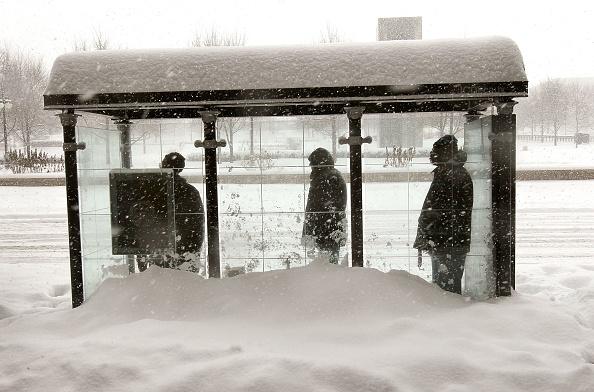 Snow「Major Blizzard Roars Through Chicago Area」:写真・画像(12)[壁紙.com]