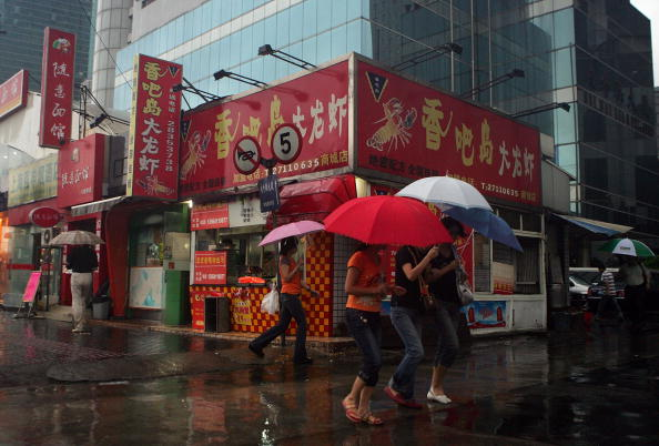 Torrential Rain「Shanghai Braces Itself For Typhoon Wipha」:写真・画像(11)[壁紙.com]