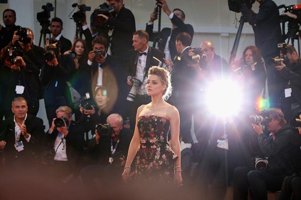 Large Group Of People「'The Danish Girl' Premiere - 72nd Venice Film Festival」:写真・画像(12)[壁紙.com]