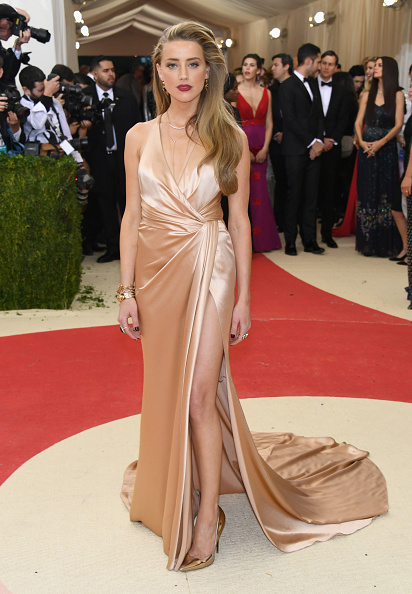 Amber Heard「'Manus x Machina: Fashion In An Age Of Technology' Costume Institute Gala - Arrivals」:写真・画像(7)[壁紙.com]