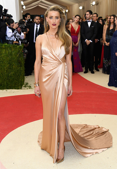 Amber Heard「'Manus x Machina: Fashion In An Age Of Technology' Costume Institute Gala - Arrivals」:写真・画像(5)[壁紙.com]