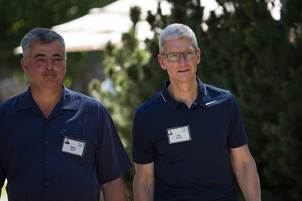 Tim Cook - Business Executive「Tech And Media Elites Attend Allen And Company Annual Meetings In Idaho」:写真・画像(12)[壁紙.com]