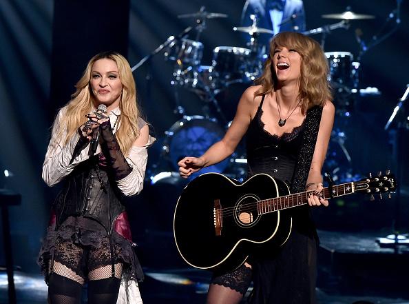 Broadcasting「2015 iHeartRadio Music Awards On NBC - Show」:写真・画像(10)[壁紙.com]