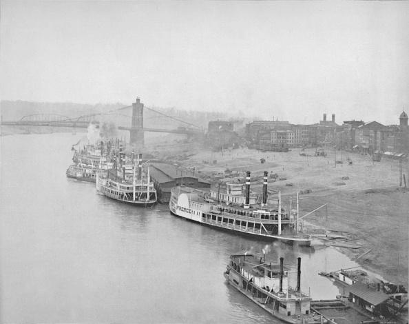 Steamboat「The River Front At Cincinnati」:写真・画像(0)[壁紙.com]