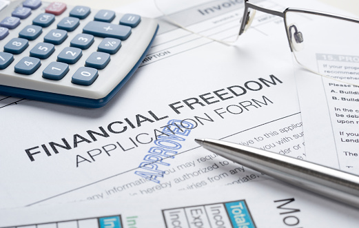 Receiving「Financial freedom concept with apporoved application」:スマホ壁紙(14)