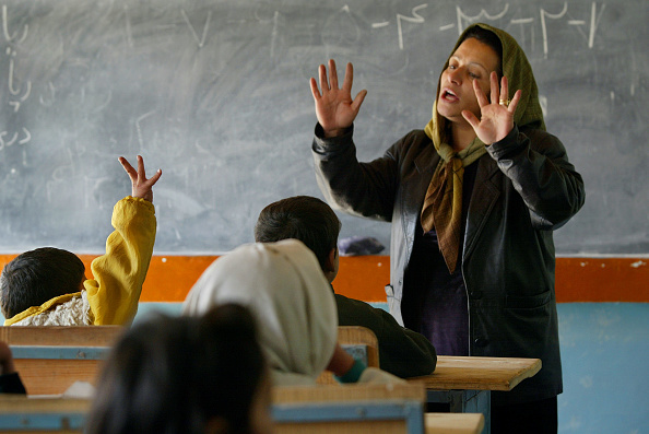 Kabul「Special Accelerated Classes Offered To Afghan Girls」:写真・画像(8)[壁紙.com]