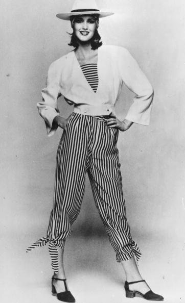 縞模様「Linen Jumpsuit」:写真・画像(11)[壁紙.com]