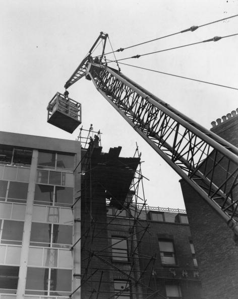 Construction Equipment「Computer On A Crane」:写真・画像(0)[壁紙.com]