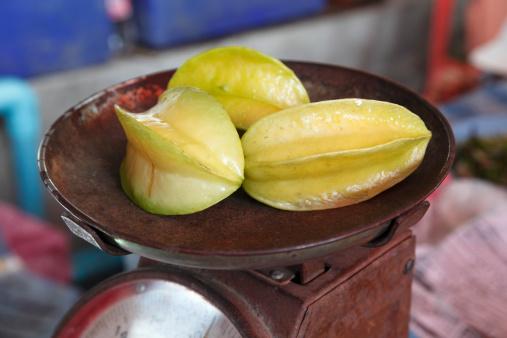 Starfruit「Star fruit on scale」:スマホ壁紙(11)