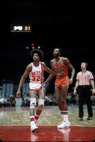 Julius Erving「Spirits of St. Louis v New York Nets」:写真・画像(0)[壁紙.com]