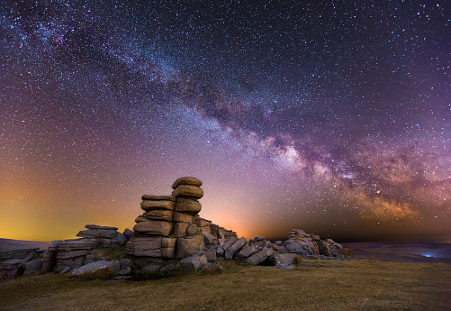 Milky Way「Great Staple Tor at Night」:スマホ壁紙(4)
