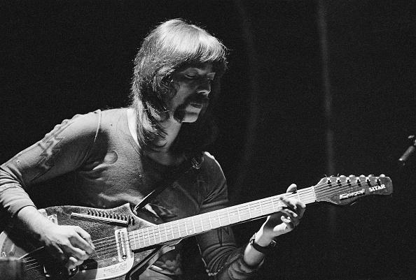 Guitarist「Genesis On Stage」:写真・画像(14)[壁紙.com]