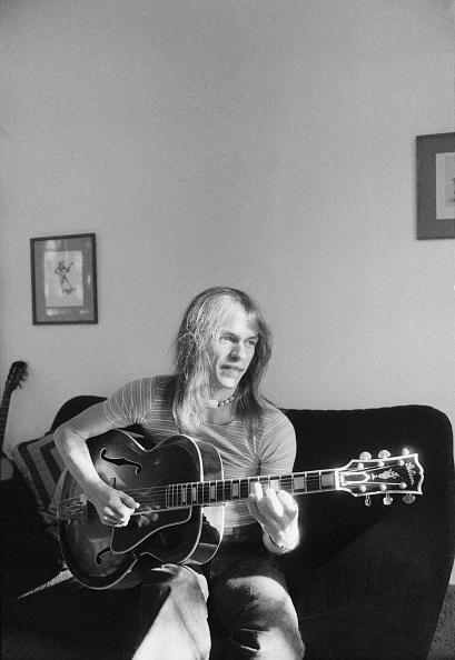 1975年「Yes Guitarist」:写真・画像(8)[壁紙.com]