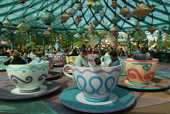 Mickey Mouse「Disneyland Paris Becomes One Of Europe's Most Popular Attractions 」:写真・画像(4)[壁紙.com]