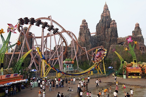 "Amusement Park「Tourists Visit Theme Park ""Happy Valley"" In China」:写真・画像(0)[壁紙.com]"