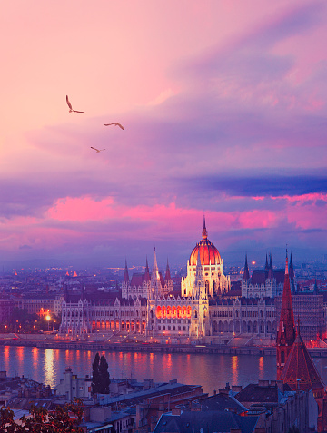 Alpenglow「Budapest by twilight」:スマホ壁紙(14)