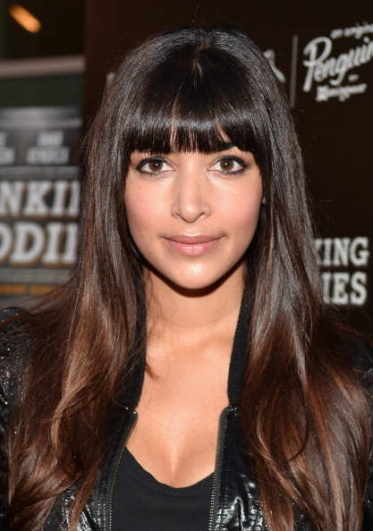 "Hannah Simone「Screening Of Magnolia Pictures' ""Drinking Buddies"" - Red Carpet」:写真・画像(1)[壁紙.com]"