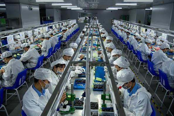 Plant「China Dominates Global Vaping Production」:写真・画像(1)[壁紙.com]