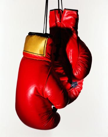Combat Sport「Red boxing gloves on white」:スマホ壁紙(6)