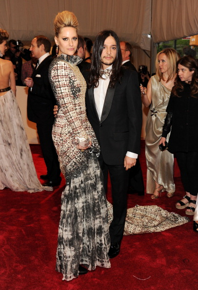 "Pomellato「""Alexander McQueen: Savage Beauty"" Costume Institute Gala At The Metropolitan Museum Of Art - Arrivals」:写真・画像(3)[壁紙.com]"