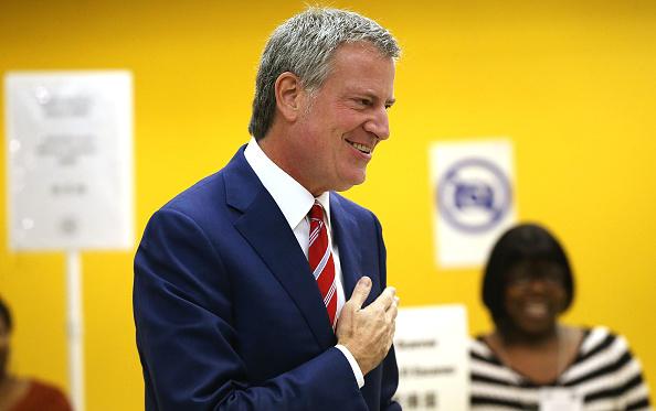 Smiling「New York City Mayor Bill De Blasio Casts His Vote In City's Mayoral Election」:写真・画像(0)[壁紙.com]