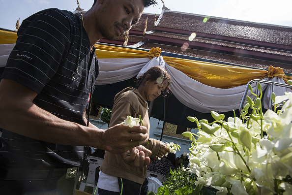 Bouquet「Thailand Mourns The Death Of King Bhumibol」:写真・画像(14)[壁紙.com]