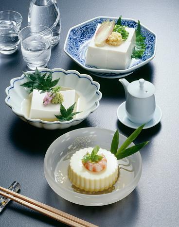 Sake「Sake and bowls of bean curds, black background」:スマホ壁紙(12)
