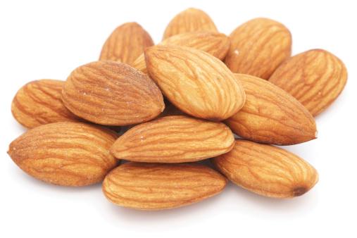 Almonds「アーモンド白のクローズアップ」:スマホ壁紙(5)