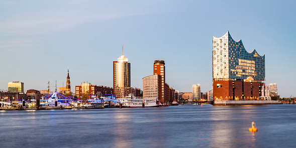Urban Skyline「Germany, Hamburg, Elbe Philharmonic Hall and HafenCity」:スマホ壁紙(18)