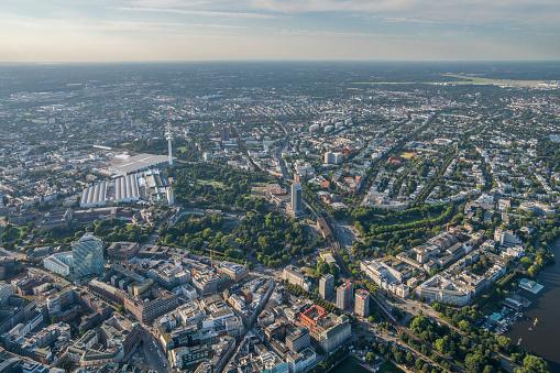 Antenna - Aerial「Germany, Hamburg, aerial view of Karolinenviertel with Heinrich-Hertz Tower」:スマホ壁紙(2)