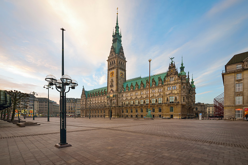 Local Government Building「Germany, Hamburg, City Hall in the morning」:スマホ壁紙(10)
