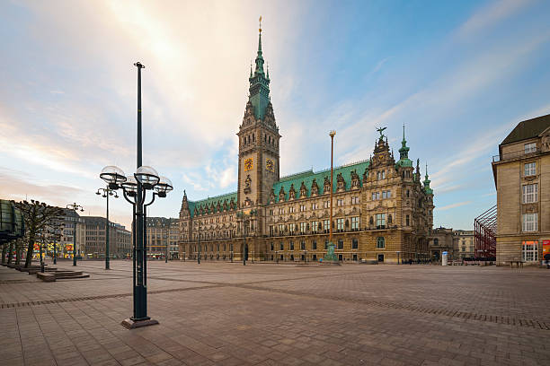 Germany, Hamburg, City Hall in the morning:スマホ壁紙(壁紙.com)