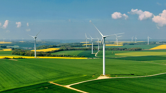 Mill「Wind farm in France」:スマホ壁紙(7)