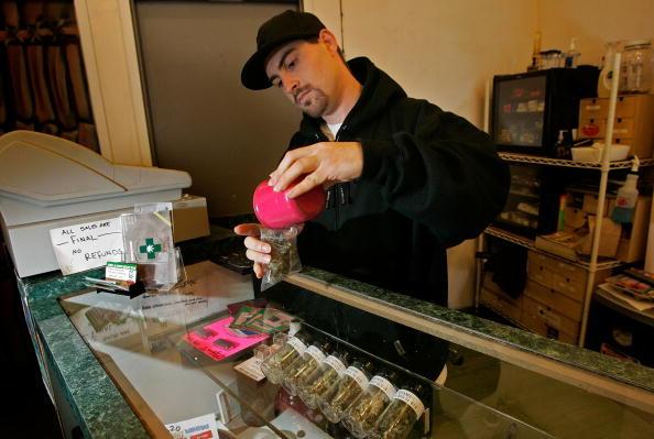 Marijuana - Herbal Cannabis「Controversial FDA Report Says No Medical Benefit From Marijuana」:写真・画像(4)[壁紙.com]