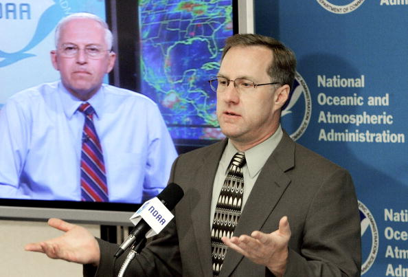 Atmosphere「NOAA Updates 2006 Atlantic Hurricane Outlook」:写真・画像(17)[壁紙.com]