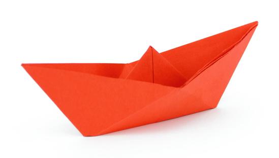 Paper Craft「Red paper ship」:スマホ壁紙(9)