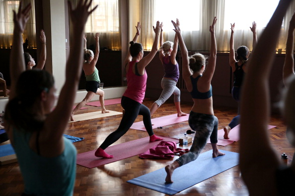 Yoga「lululemon athletica Hosts Complimentary Yoga Citywide」:写真・画像(1)[壁紙.com]