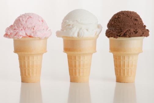 アイスクリーム「Three ice cream cones」:スマホ壁紙(13)