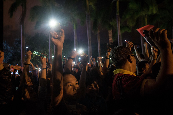 Wireless Technology「Protestors Dig Their Heels In As Occupy Movement Goes On」:写真・画像(15)[壁紙.com]
