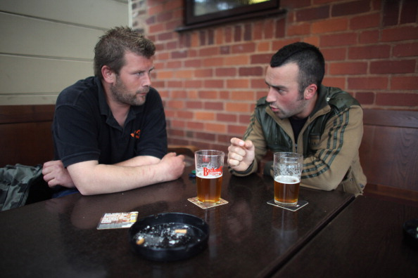 Pub Food「Regulars Enjoy A Traditional Black Country Pub」:写真・画像(0)[壁紙.com]