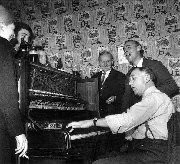 Piano「East End Pub」:写真・画像(8)[壁紙.com]