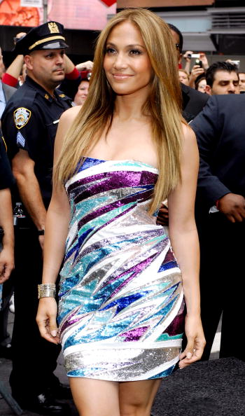 "Emilio Pucci「Jennifer Lopez Unveils ""Be Extraordinary"" Billboard For Boys & Girls Clubs」:写真・画像(11)[壁紙.com]"