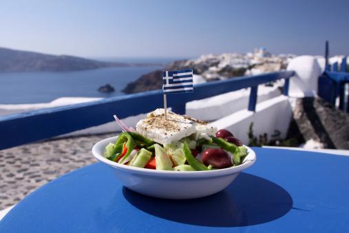 Greek Culture「Greek salad in Oia on Santorini, Greece」:スマホ壁紙(17)