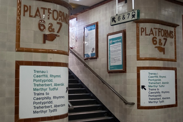 Travel Destinations「Cardiff Train Station」:写真・画像(9)[壁紙.com]