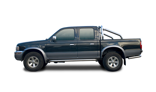 Country Road「Black pick up truck with clipping paths」:スマホ壁紙(12)