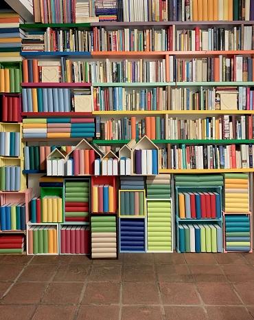 Hygge「Library, fully packed shelves」:スマホ壁紙(19)