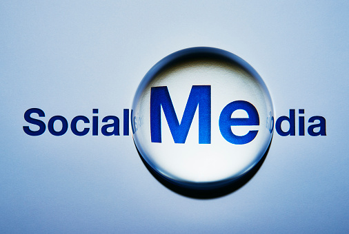 Teenager「Social Media concept. Its all about Me.」:スマホ壁紙(18)